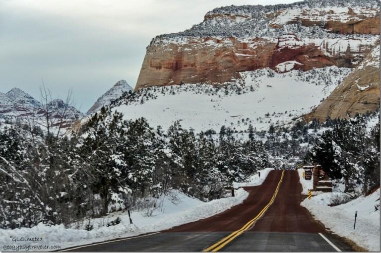 Entering Zion National Park SR9 west Utah