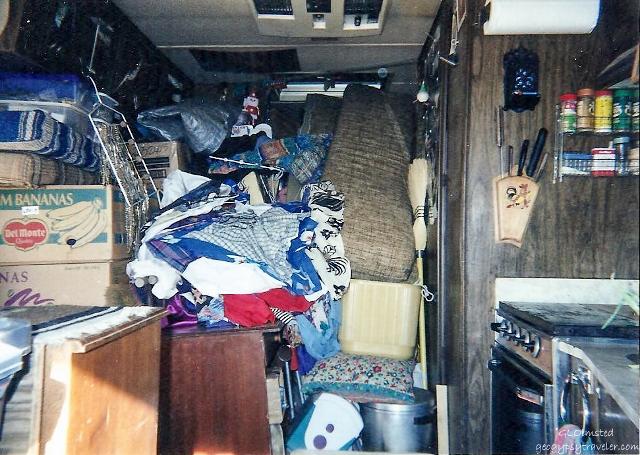 05 17lerwss Moving all Darlene's stuff in Gaelyn's motorhome New Years Eve CA to AZ 2002 fff165-2 (640x455)
