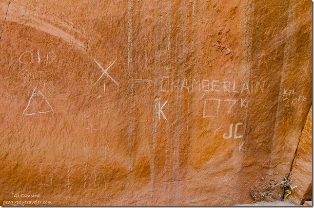 Contemporary-petroglyphs-Side-canyon-from-Angel-Canyon-Kanab-Utah
