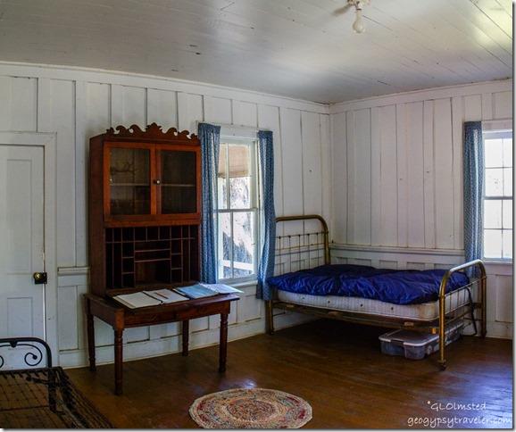 Old-desk-bed-inside-Jacob-Lake-Ranger-Station-Kaibab-National-Forest-Arizona