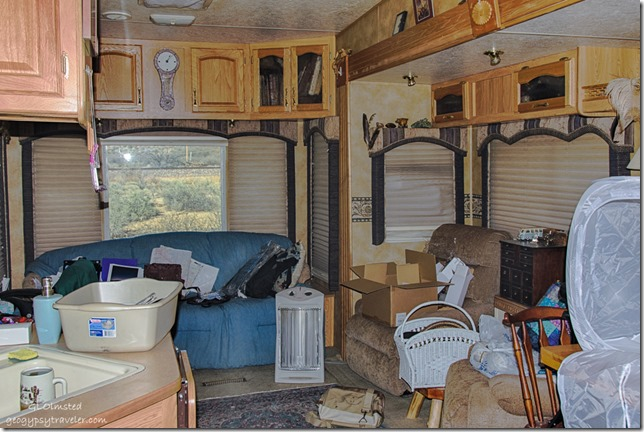Messy RV home Kirkland Arizona