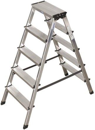 Сам стоящий лестницы