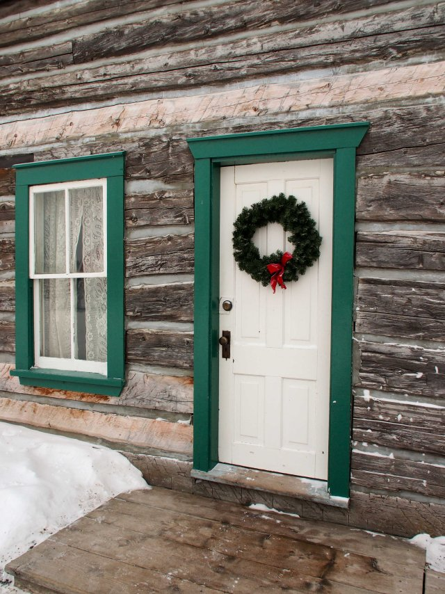 Wreath on the front door of the Rectory, built in 1899.