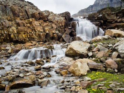 Middle and lower sections of the waterfall between the Minnestimma Lakes