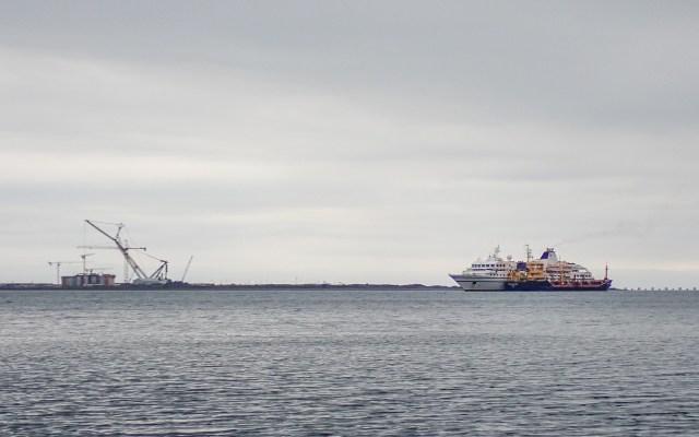 bunker-ship-cruise-ship-argentia-base