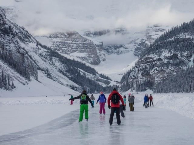 skaters-lake-louise