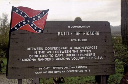Info sigh for the Battle of Picacho Pass. Image from http://en.wikipedia.org/wiki/Picacho_Peak_State_Park