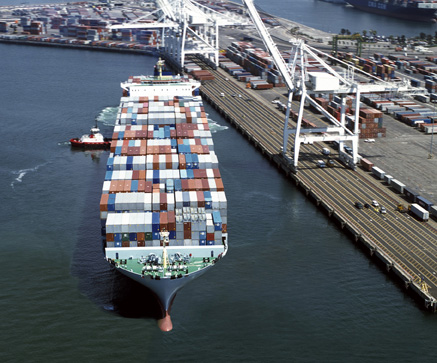 Port of Long Beach. Image from www.cleanairactionplan.org