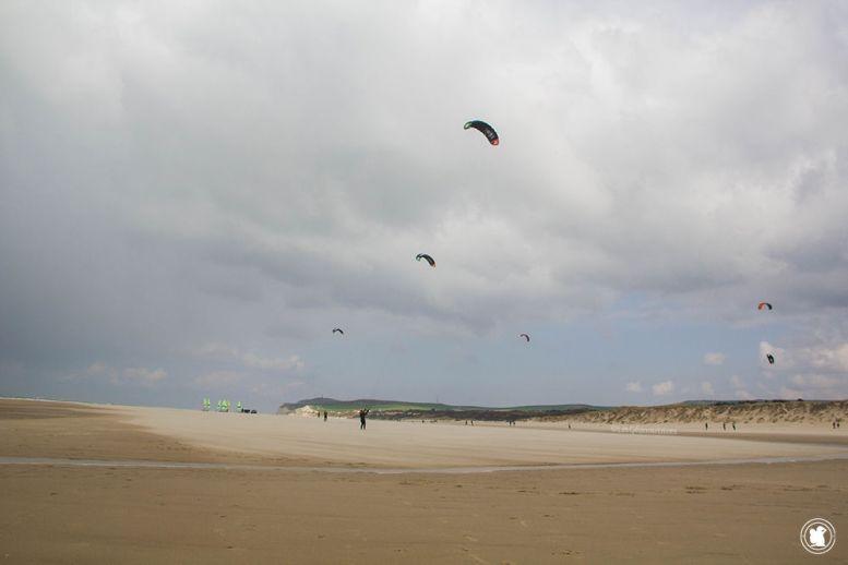 Côte d'Opale, kite surfers à l'entraînement