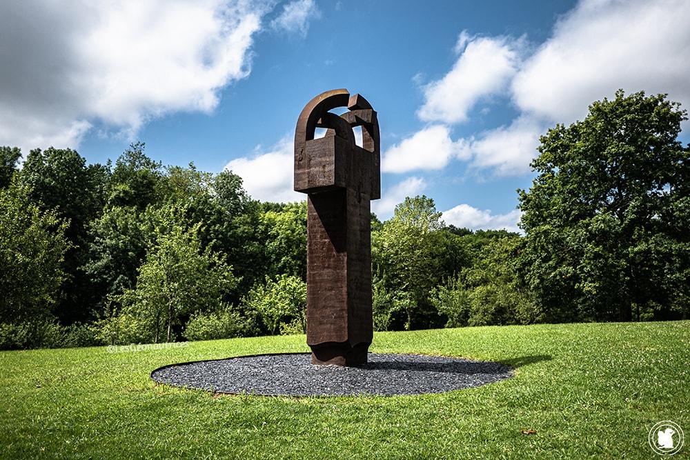Sculpture d'Eduardo Chillida - blogtrip Nekatur