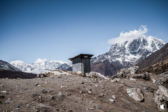 Trek des 3 cols - Pause pipi à Chukkung
