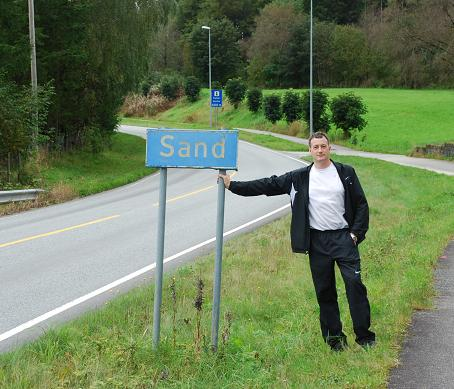 Sand road sign