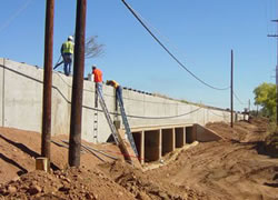 CIP retaining wall along SR 90 in Sierra Vista, AZ. Photo courtesy of NCS Consultants, LLC.