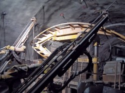 Roof drills on the TBM installing 20-ft long rock bolts in the ceiling of the Niagara Tunnel