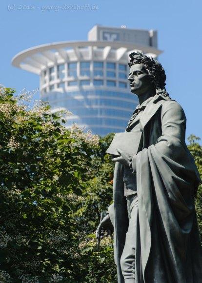 Schillerdenkmal in Frankfurt - Bild Nr. 201307200435
