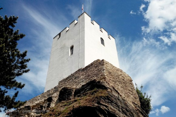 Bergfried von Burg Sterrenberg - Bild Nr. 201405251529