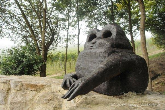 Krötenskulptur am Oppenheimer Krötenbrunnen - Bild Nr. 201409063659