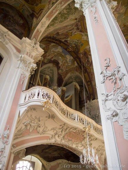 Blick hinauf zur Orgelempore - Bild Nr. 201502281101