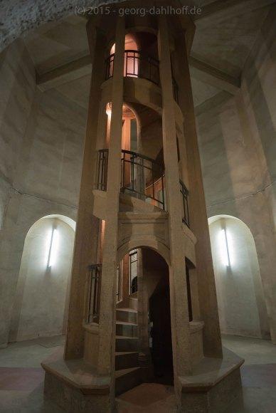 Treppe zur Aussichtsplattform des Vierungsturms - Bild Nr. 201503284513
