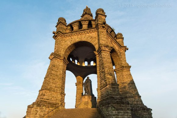 Porta Westfalica: Kaiser-Wilhelm-Denkmal - Bild Nr. 201506124611