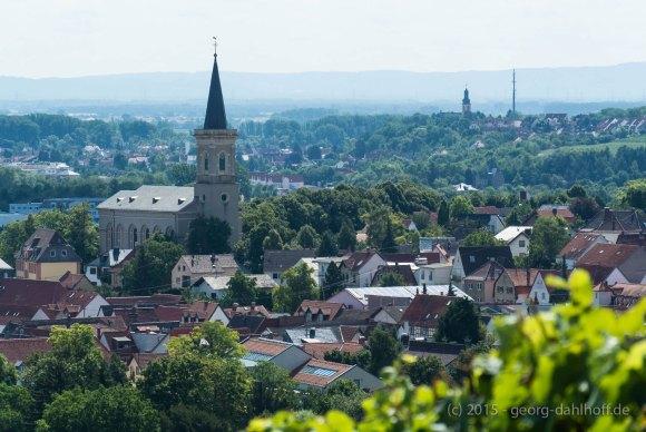 Bodenheim mit der kath. Kirche St. Alban - Bild Nr. 201507264784