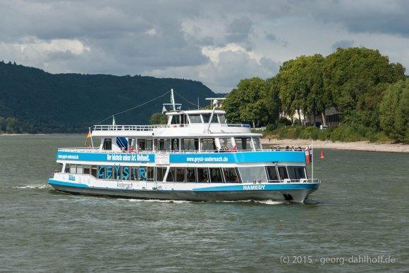 Ausflugsschiff zum Geysir - Bild Nr. 201509060894