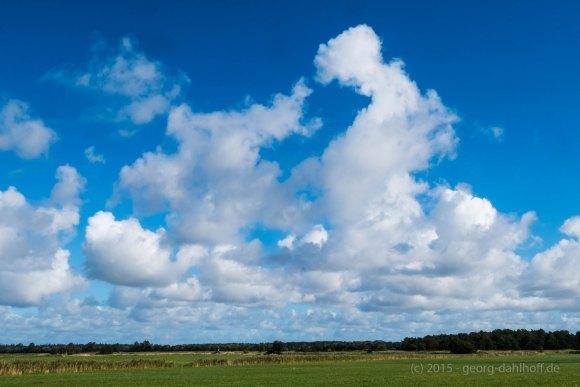Die Ruhe und das Spiel der Wolken - Bild Nr. 201509263295
