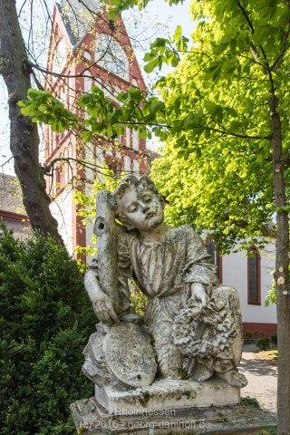 Grabstein vor der Bergkirche Osthofen - 201605010049