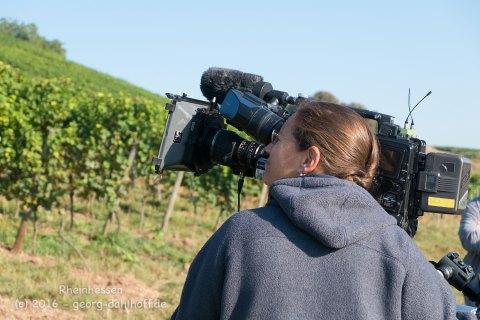 Kamerafrau beim Dreh - Bild Nr. 201609225238