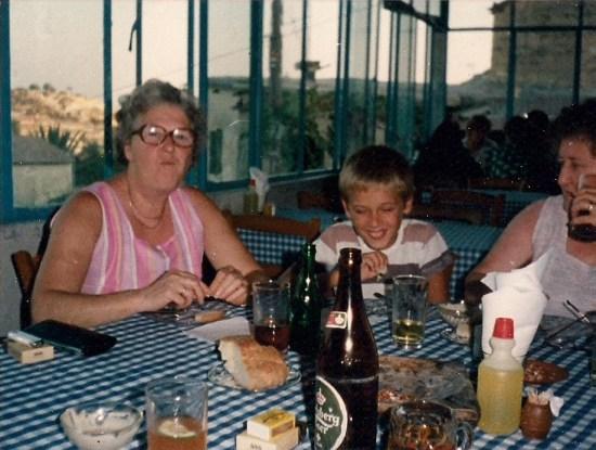 1984 me nan hilda,terminus tavern