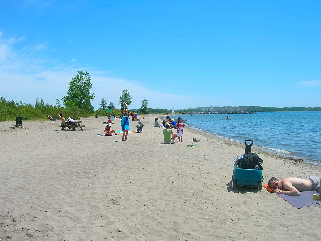 Ward's Island beach - Toronto islands