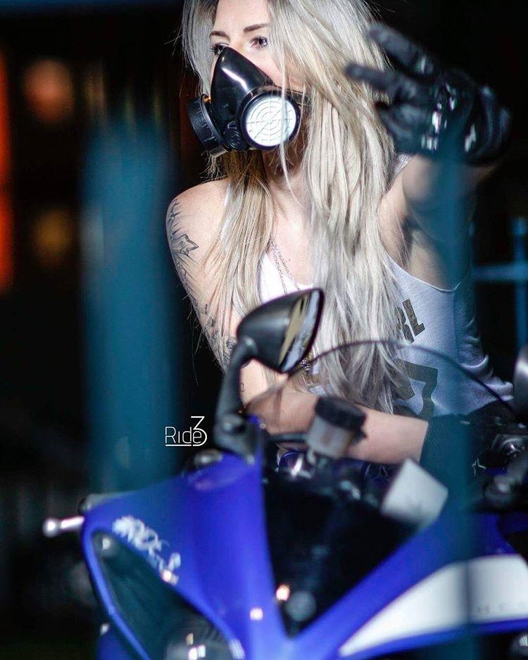 Isn't that gesture obscene in england? Tsk, tsk, bad girl. regram @crazy_mad_k #yamaha #yamahar1 #bikelife #bikechick #ridetolive #ride3 #ride_3 #sexybikes #bigbang #bikerchicksforlife #blond #blondpower #bikerchicksofinstagram #bikerchicksofinsta