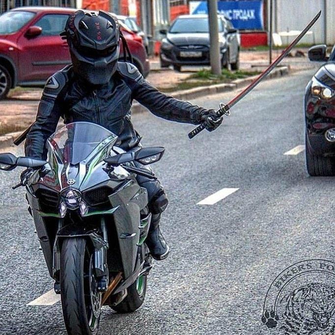 Biker with predator helmet wielding a katana. Your point is moot. regram @superbikes2016 FULLY BADASS‼️🔥 #superbikes2016 #motorcycle #motorcycles #bike #katana #ride #rideout #bike #biker #bikergang #helmet #cycle #bikelife #streetbike #cc #instabike #instagood #instamotor #motorbike #photooftheday #instamotorcycle #instamoto #instamotogallery #supermoto #predator #cruising #bikestagram