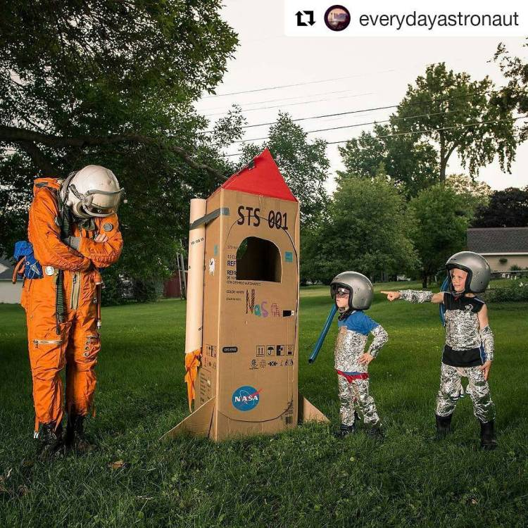 These kids are going places. Moon or Mars, maybe. Wait till they figure out how easy it is to make rockets. *snicker* 😉  #Repost @everydayastronaut ・・・ My nephews told me they built a rocket… I think we have a little ways to to before we can go to space 😕😔😭🚀 (Thanks @backyardninjakids )