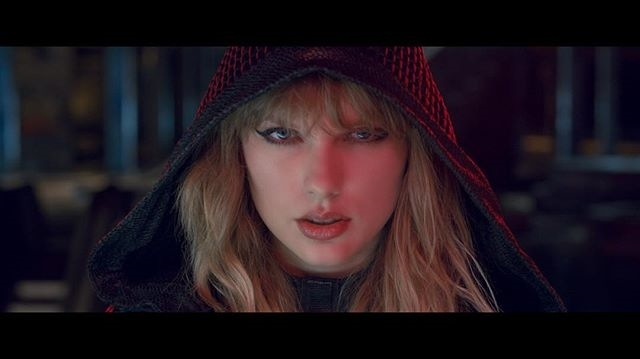 Come to the Swifty side, we have cookies 😎 regram @taylorswift #ReadyForItMusicVideo. Link in bio. #cyberpunk #cometothedarksidewehavecookies #cometothedarkside #swifties #taylorswift #swifty #starwars #sith
