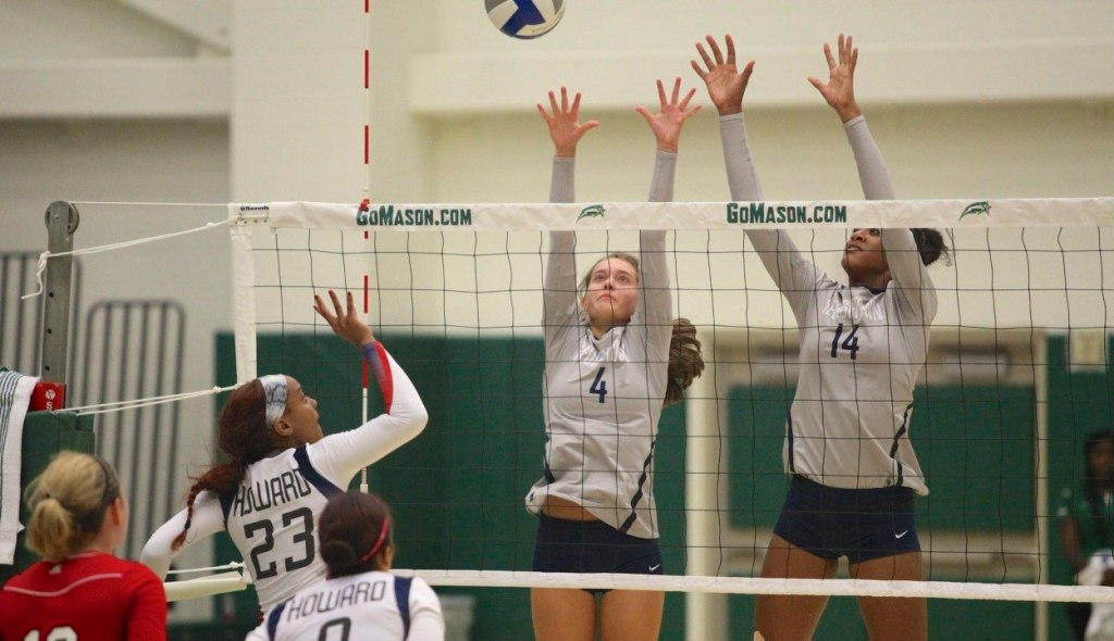 Volleyball Roundup: Wildcats scratch by Hoyas in Big East Opener