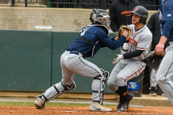 Baseball swept by UNC-Greensboro over Easter