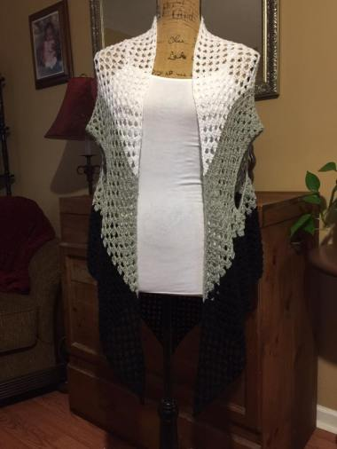 tri-color-long-sleeveless-vest-083016