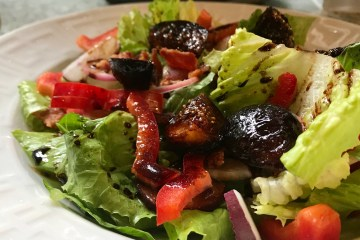 salad with caramelized figs