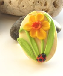 Mothers Day Daffodil brooch