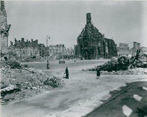 A view of the Frauenkirche's shell , still standing in 1945.