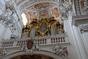 A picture of the huge organ, taken after the concert.