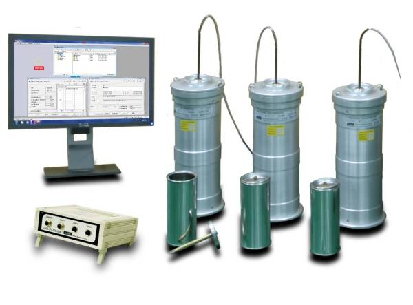 Langavant calorimeter for heat of hydration of cement method consists of introducing a fresh cement specimen into a isolated Dewar flask and monitoring the temperature changes within the specimen during the first early days.