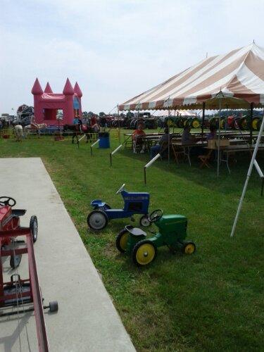 2013 Gera Tractor Show is underway