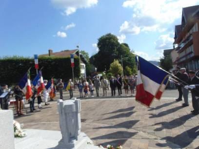 14 juillet monument aux morts