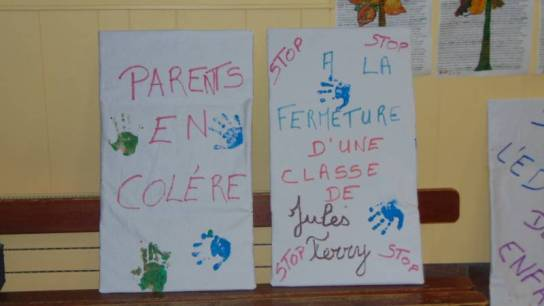ecole jules ferry manif suppression poste (1)