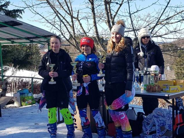 Podium U16 filles CD2