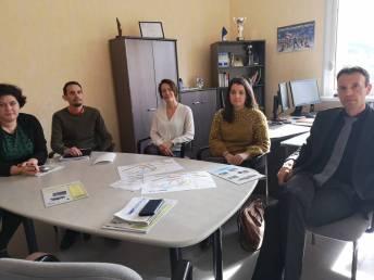 Annie Roch, Sébastien Ludwig, les CPE Alice Foucher et Sarah Suchetet en compagnie du proviseur de la cité scolaire Laurent Belin.