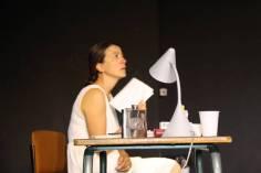 Petite mise en scène où l'actrice principale a du mal à se contenir devant l'amateurisme des autres acteurs.