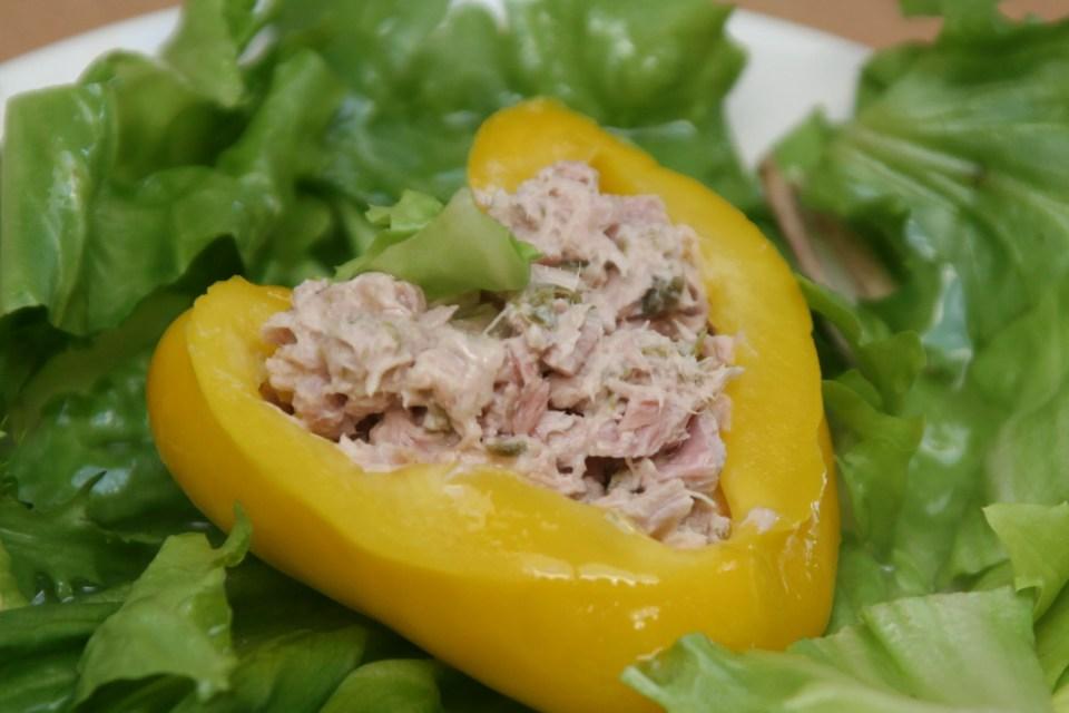 gele paprika met tonijn